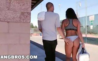 BANGBROS - Witness Xander Corvus Screw Gianna Nicole In A Public Park!